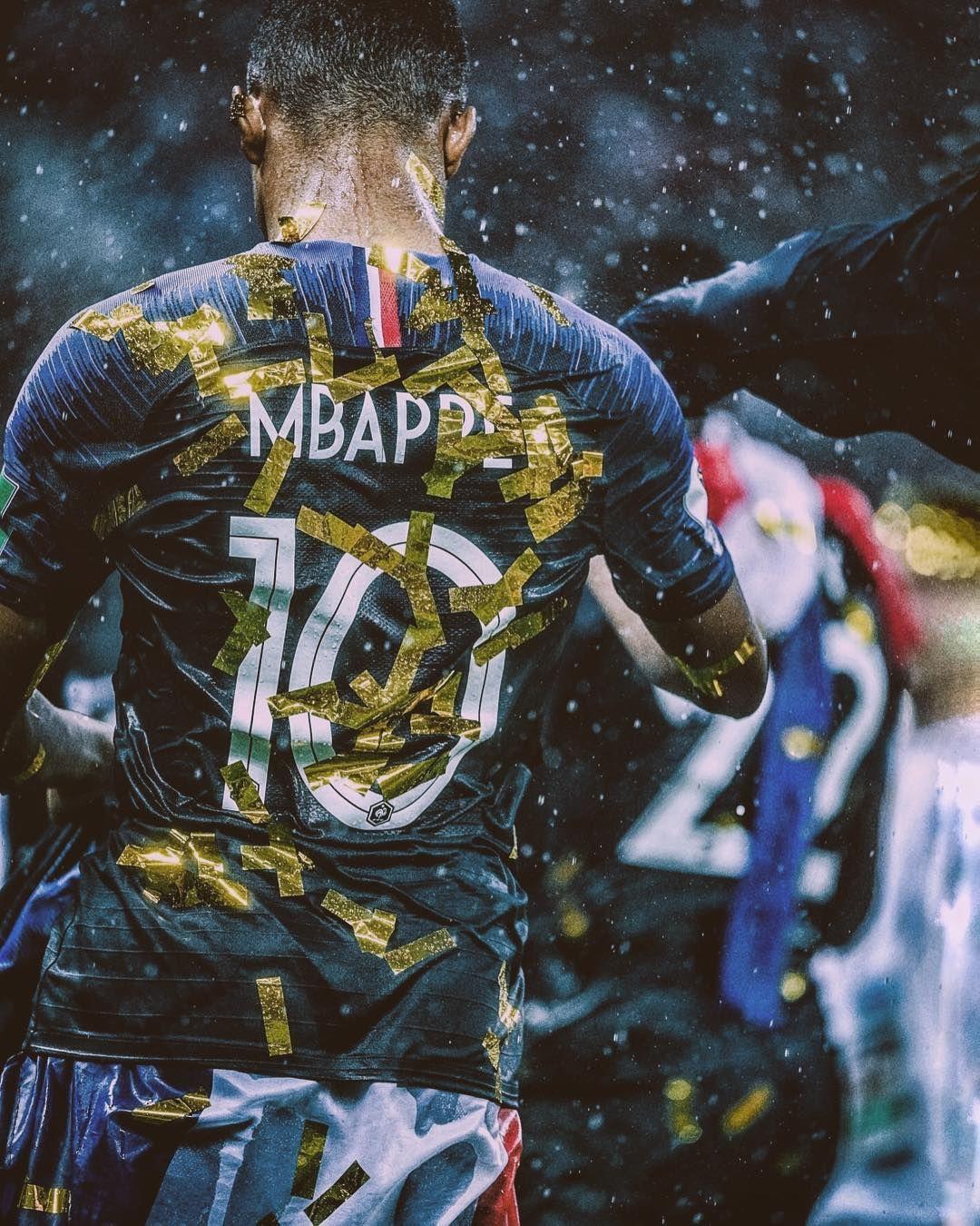 France's golden boy 🐢 // Football wallpaper, Manchester
