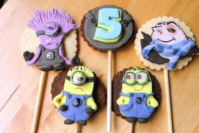 despicable me2 stick cookies