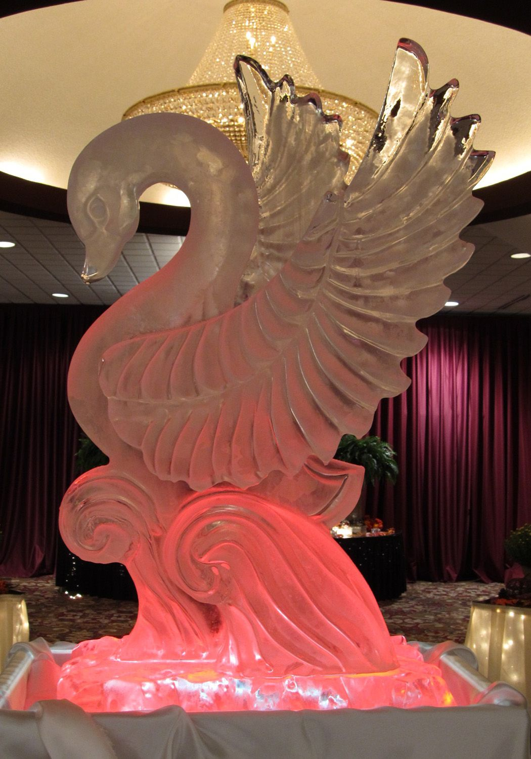 Swan Ice Carving Snow And Ice Sculptures Pinterest Sculptures De Glace Glace Et Pink