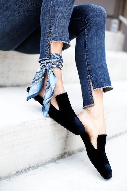 bc3705059b93f 5 Ways To Wear A Silk Scarf | Things to Wear | Fashion, Scarf styles, Denim  fashion