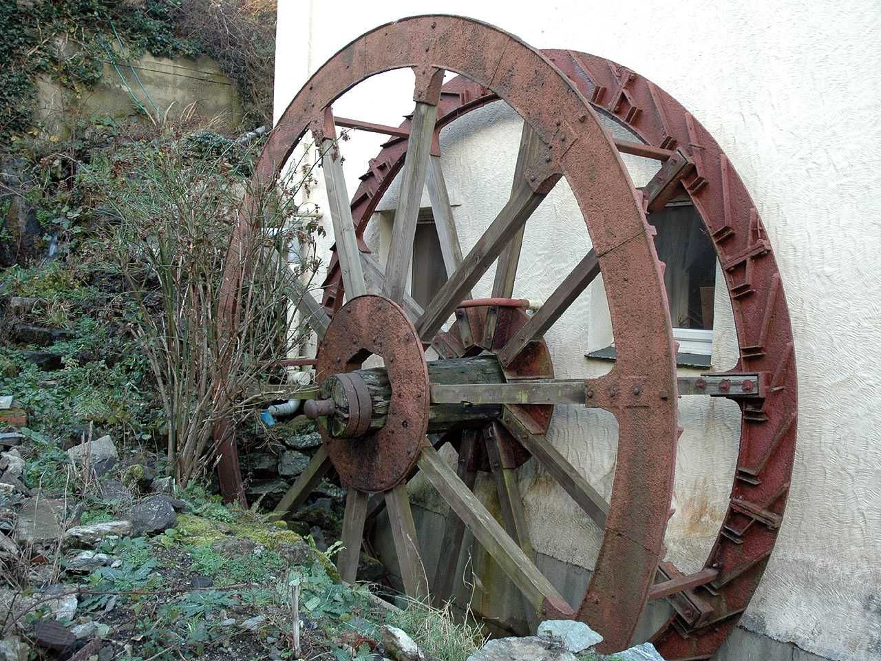 Bodffordd, Melin Frogwy Water Mill - Water Wheel Close Up.jpg (1280×960)
