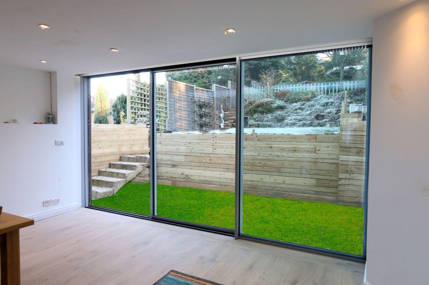 The sieger 30 sliding glass doors from hedgehog aluminium for Sliding glass door wall system