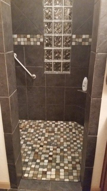 Natural Slate Mosaic Bathroom Floor Tile Laramie 2 X 2 In Shower Pan Tile Mosaic Tile Bathroom Floor Mosaic Bathroom