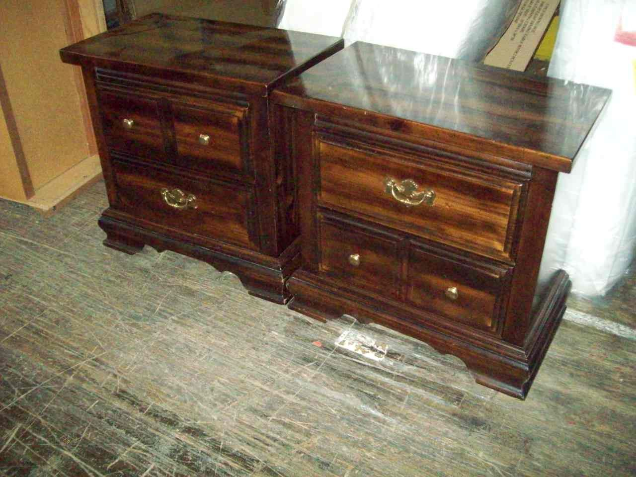 Knotty pine night stands 18504