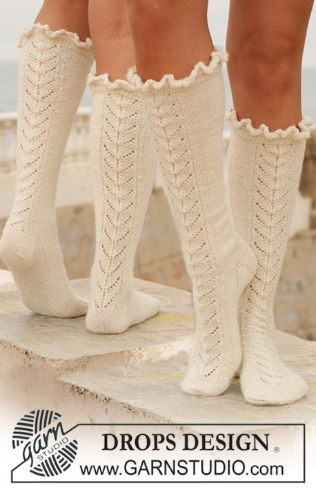 Have to knit. | To Knit or Crochet | Pinterest | Calcetines largos ...