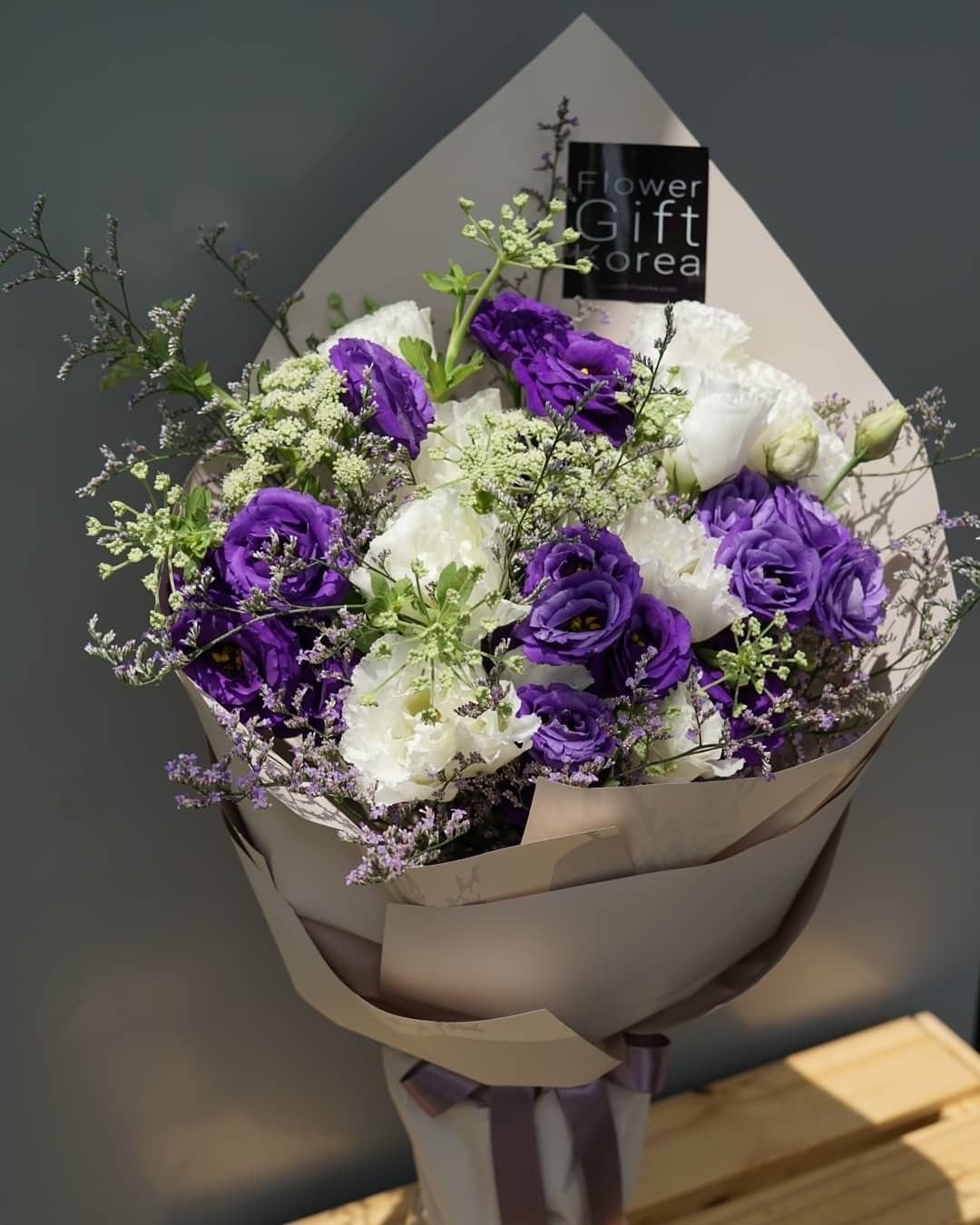 Here's our MIXED LISIANTHUS BOUQUET perfect for all