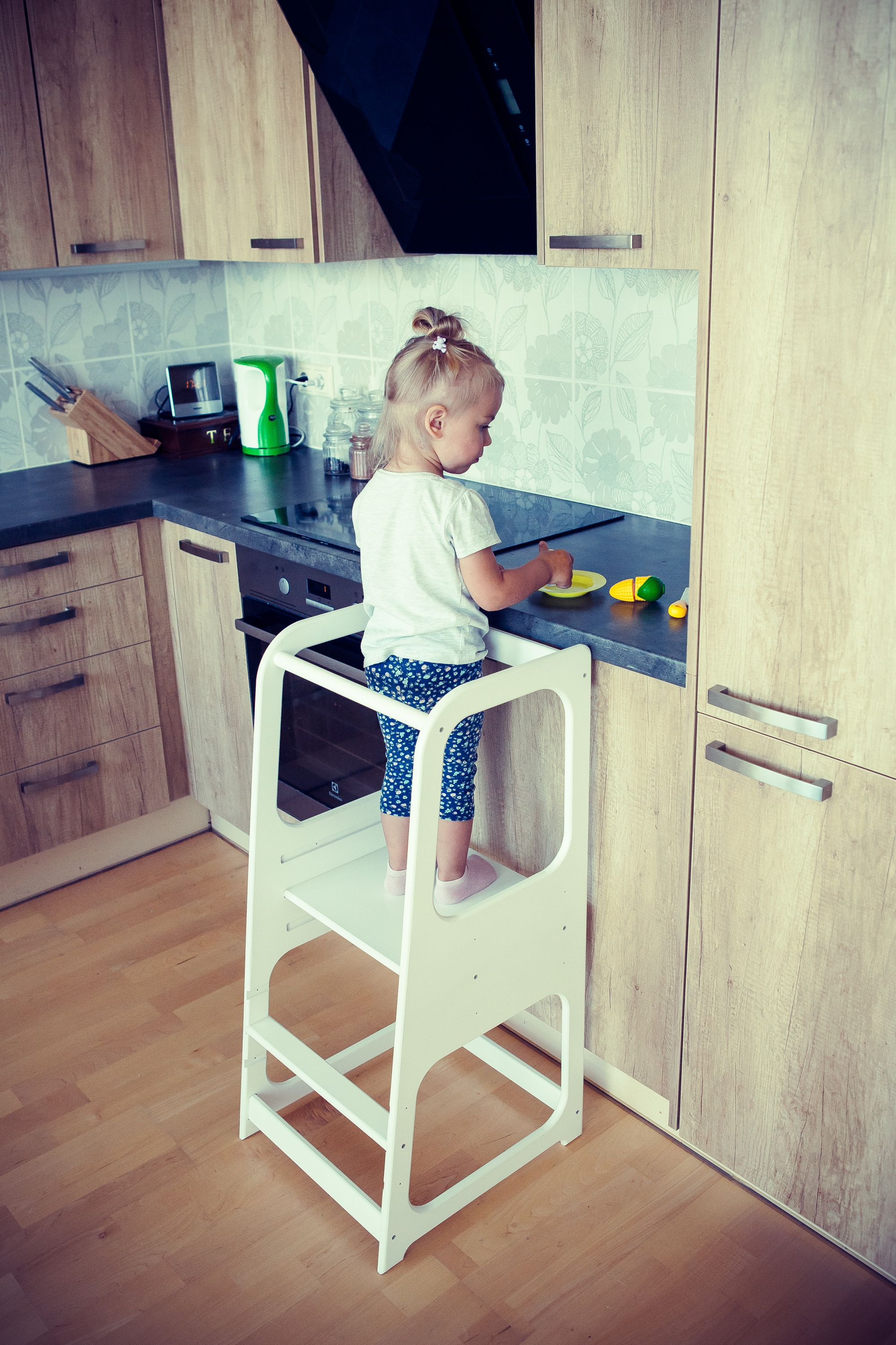 Learning tower Kitchen Helper Kitchen stool Safety stool ...