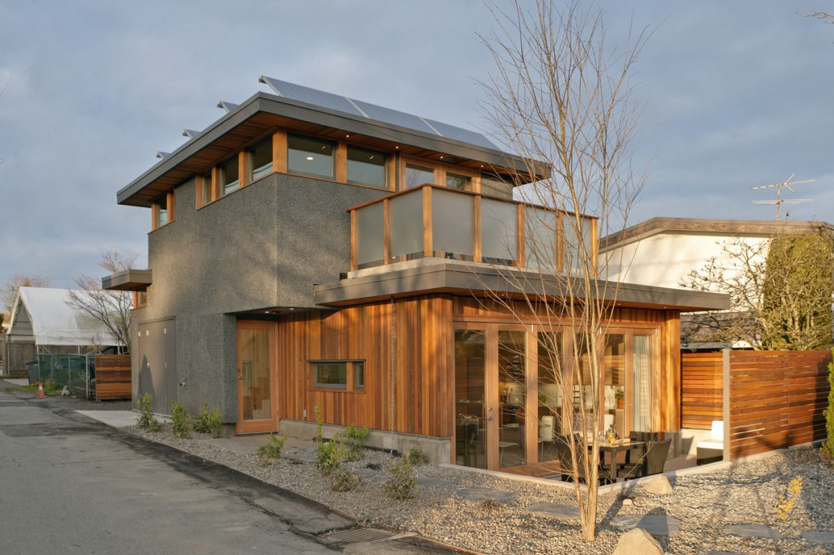 753 sq ft net-zero energy solar house in british columbia