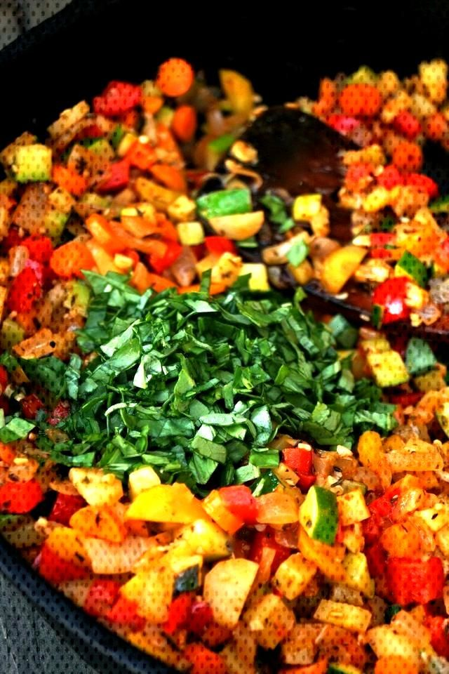 Smoky Lemon Vegetable Quinoa Recipe -- This super healthy, hearty side dish or main course is absol