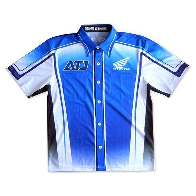 ホンダレーシングのピットシャツ製作をさせていただきました。2016タイプは素材を従来の半分140gで製作#ピットシャツ #レース #ロードレース #f1…