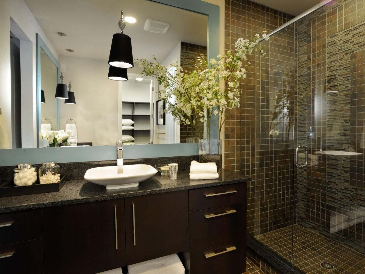 Colonial Bathrooms Pictures Ideas Tips from Modern Shower