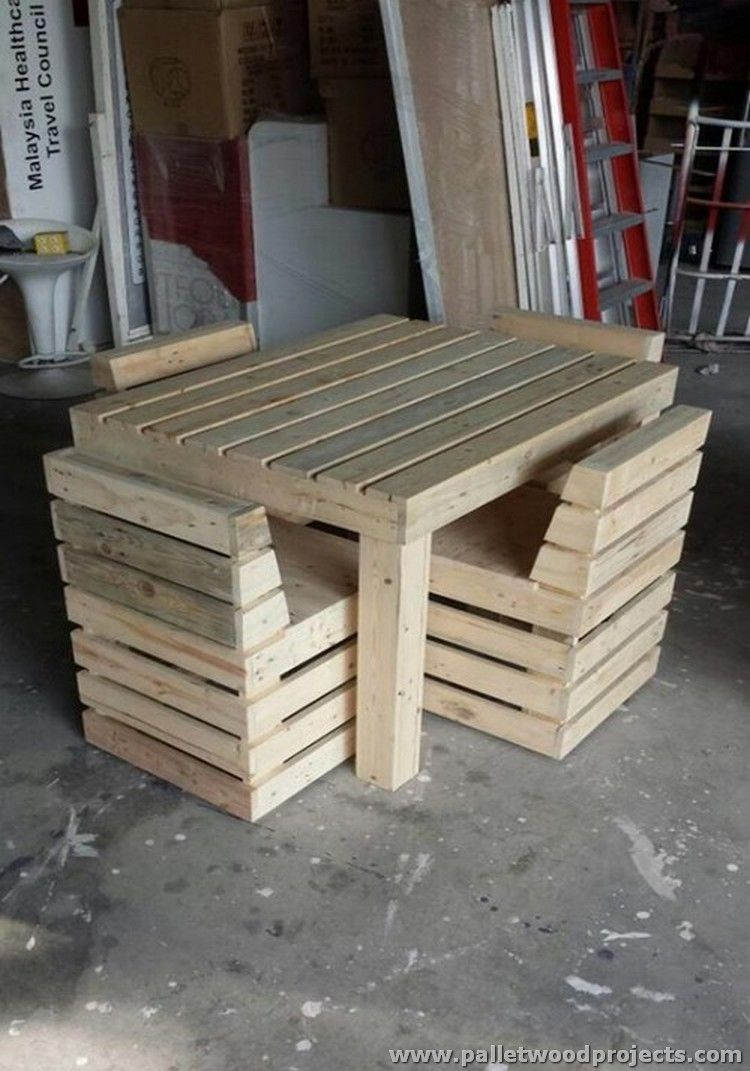 Pallet Chairs And Table Set You Can Find More Hostel Creative Design Ideas  At Http: Great Ideas