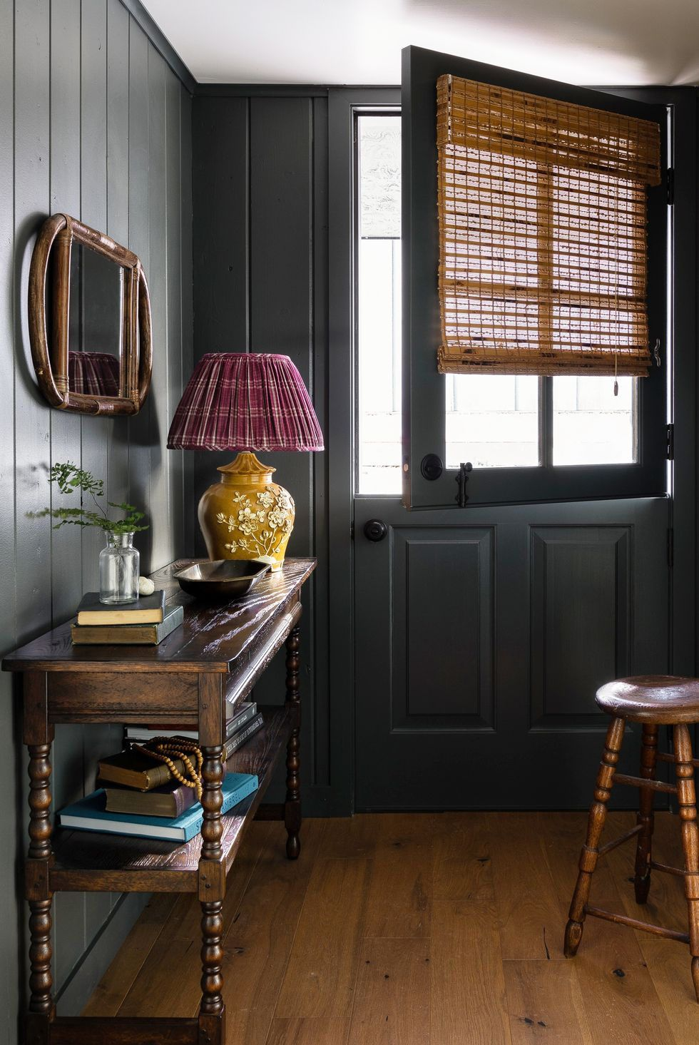 19 Stylish Rooms That Make A Strong Case For Rustic Design In 2020 Stylish Room Home Decor Rustic Room