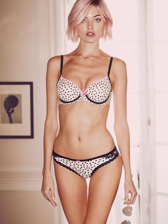 Martha Hunt Wear Lingerie For Victoriau0027s Secret Valentineu0027s Day 2016