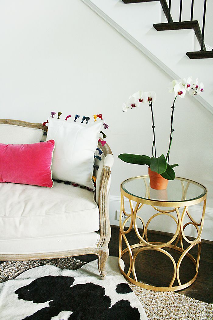 DIY tassel pillow || Anthropologie inspired tassel pillow || Ikea Hack pillow || Darling Darleen
