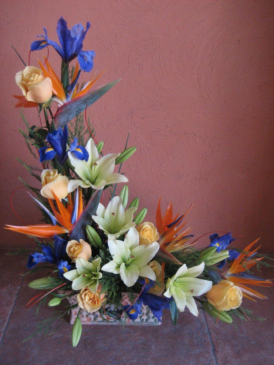 Disenos Florales Floreria Cattleya En Nuevo Vallarta Cattleya Flower Shop W Arreglos Florales Tropicales Bellos Arreglos Florales Arreglos Florales Sencillos