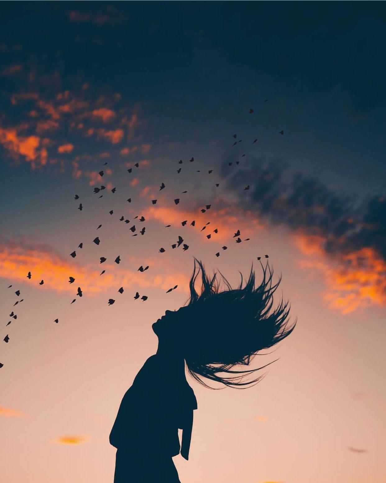 she was alive with the sky. ⚡️ instagram: @bryanadamc ...