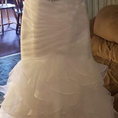 Trouwjurk ideeën | Herfst trouwjurk | Winter trouwjurk | Lente bruiloft …