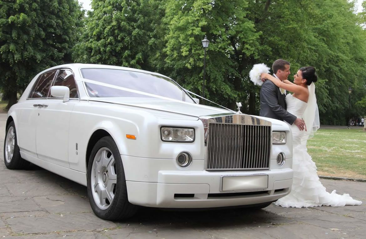 Sydney Airport Chauffeur Is Providing The Best Luxury Wedding Cars Hire Service In Our