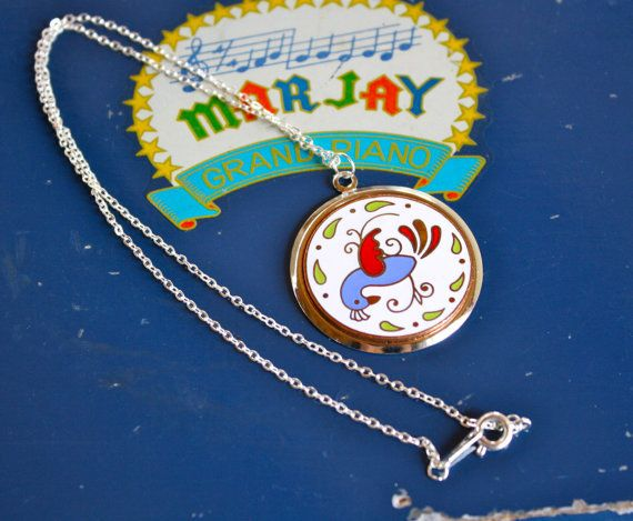 SALE- VTG 70's Medium Lucky Hex Hoffman Bird Medallion Necklace on silver plated chain