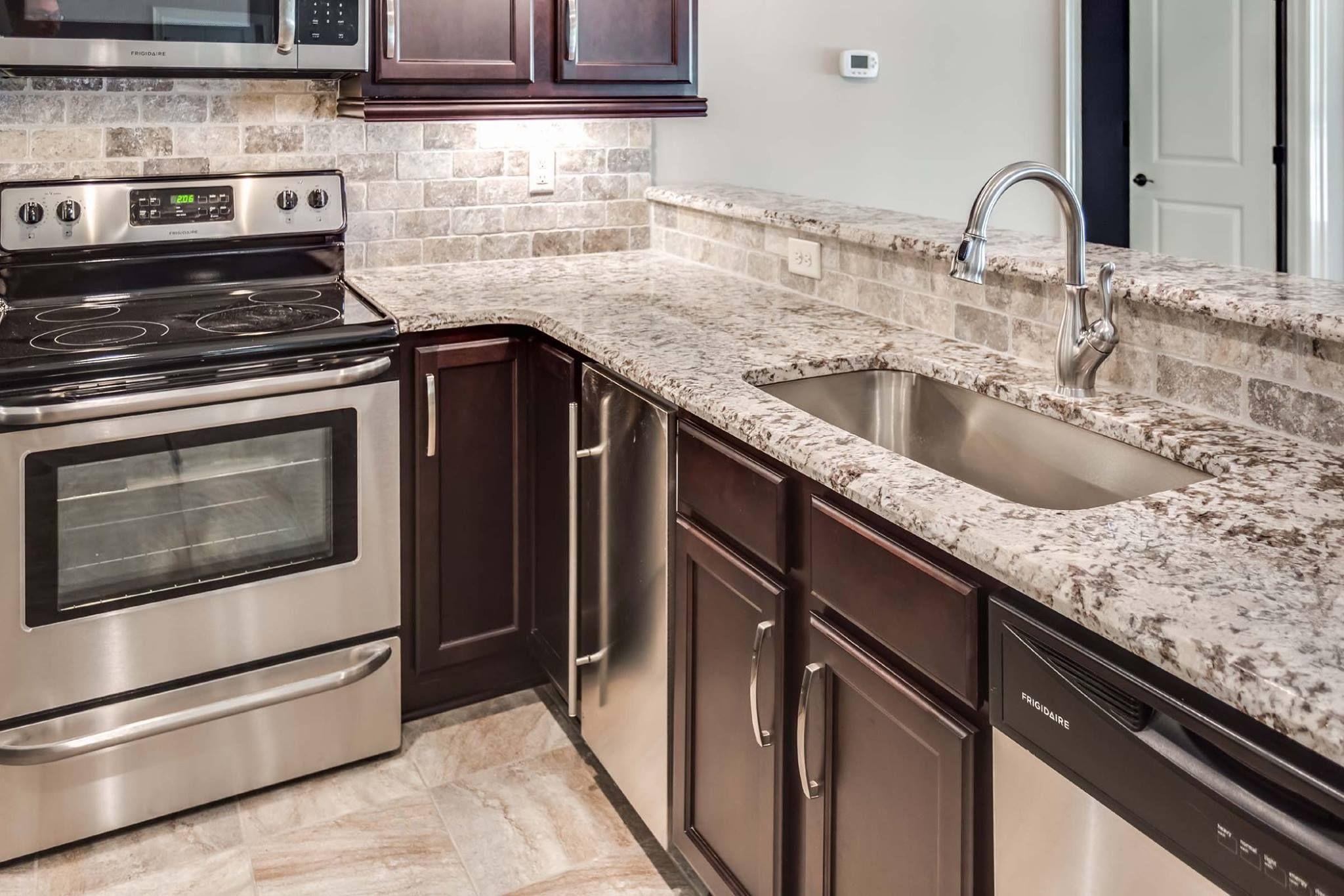Bianco Antico Granite Vanity Top Carlzhang11 Outlook Com Outdoor Kitchen Countertops Outdoor Kitchen Kitchen Renovation