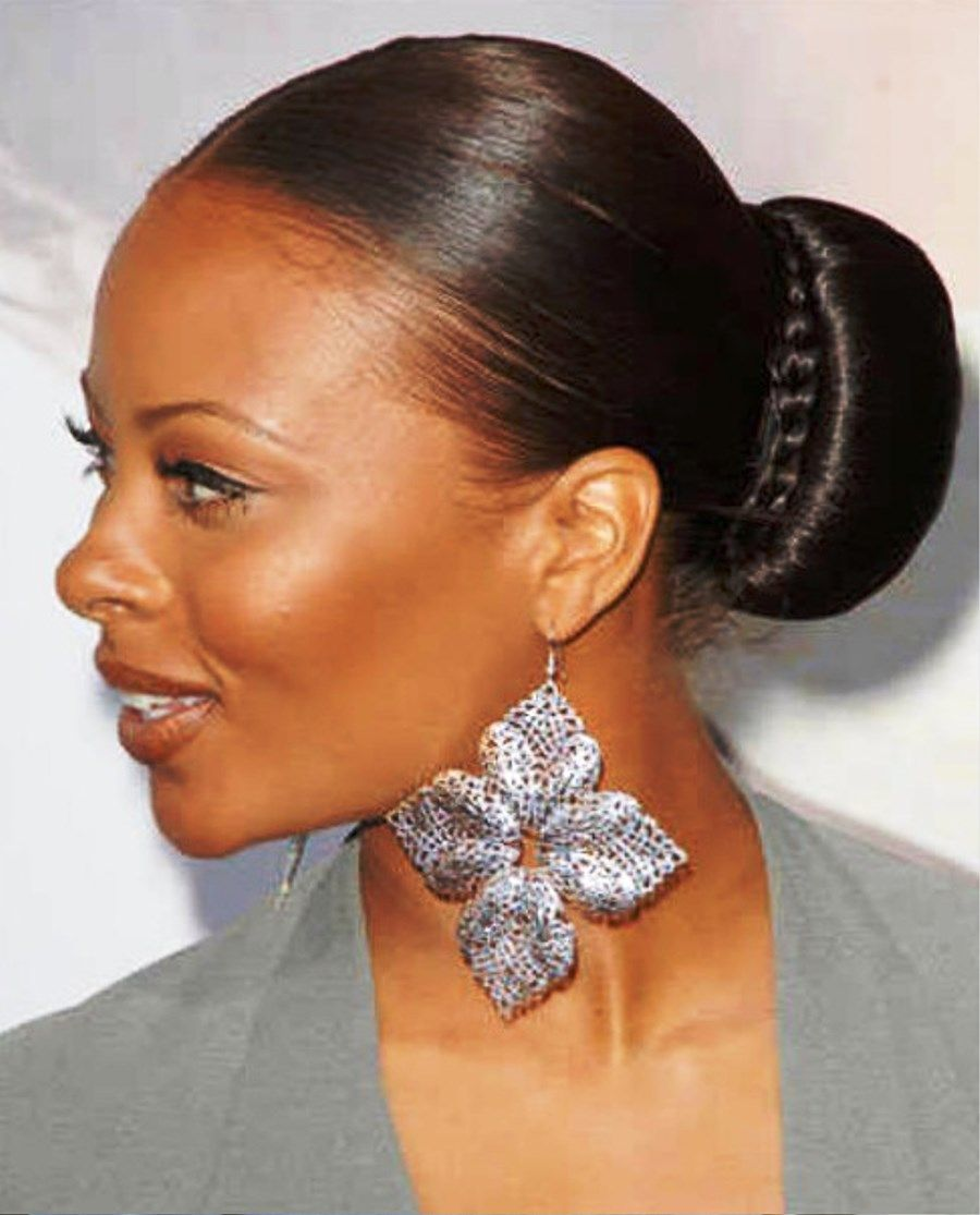Pictures Of Sleek Bun Hairstyle For Black Women Black Women Hairstyles Bun Hairstyles Sleek Bun Hairstyles
