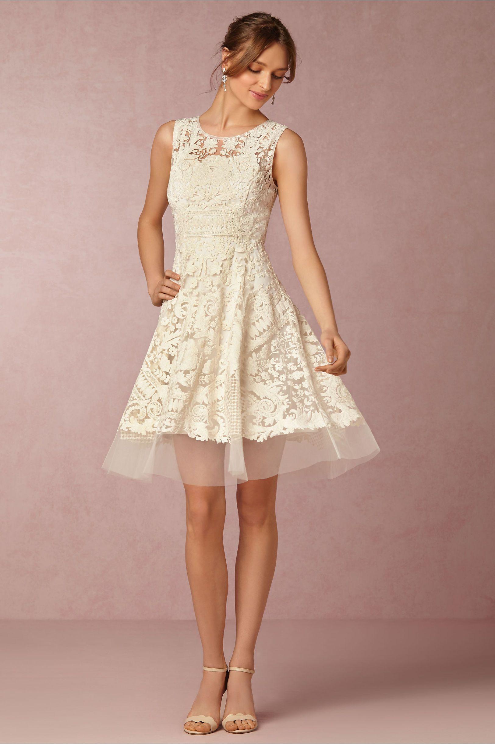 20 kurze Brautkleider zum Verlieben: günstig & traumhaft schön ...