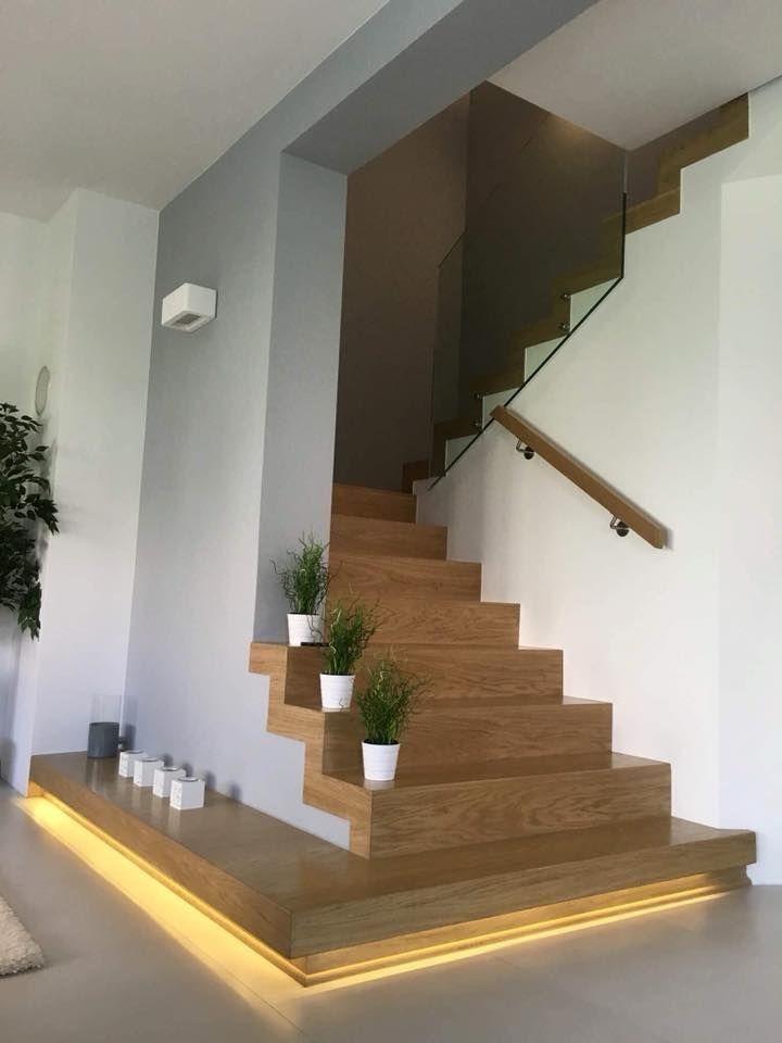 Alternating Tread Stair - Gioconda Paredes #decorationentrance