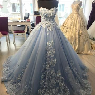 Elegant Lace Appliques Light Blue Tulle Ball Gowns Prom Dresses 2018