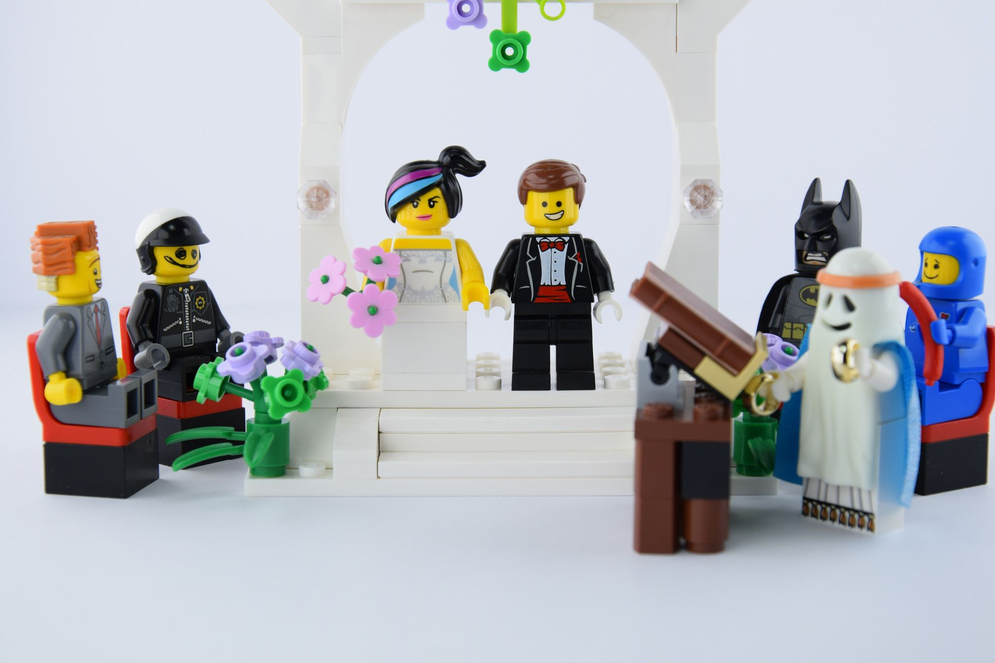 The Wedding Of Emmet And Cool Tag Lego Pictures Lego Movie Characters Lego Movie