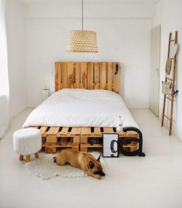 m bel aus paletten peppen das innendesign auf diy bett bett aus paletten und selber bauen. Black Bedroom Furniture Sets. Home Design Ideas