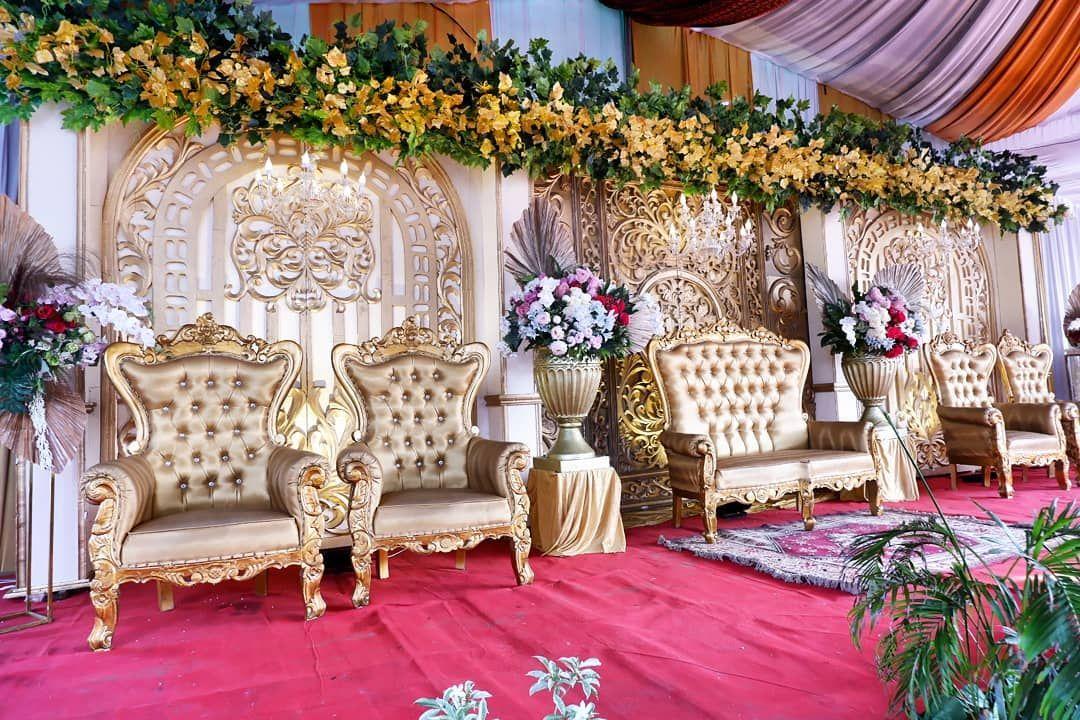 Wedding @ekaaa_n & erwin...Wedding @ekaaa_n & erwin  📷📹 @ariefcreative  All paket by @jasmineweddings  #pelaminanmininalis #pelaminanhits #pelaminanpalembang #pelaminanmodern #pelaminanmoderpalembang #pelaminanrustic #pelaminanakad #Pelaminan #pelaminanmurahmewah #pelaminan #decorationwedding #decorpelaminan #decorasiwedding #decorations #decorationpalembang #decorkamarpengantin #decorationmodern #decorationengagement #dekorlamaran #dekor #dekorakadnikah #dekorpalembang #wopalembang #weddingpa