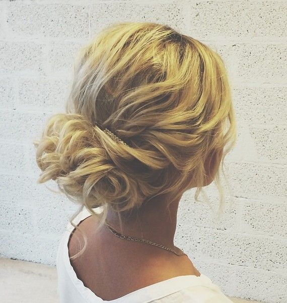 Curly Loose Updo Wedding Hairstyles For Thin Hair Should Work With Your Locks Not Fight Against Them Her Hairdo Elegantly Sweeps The Length Of