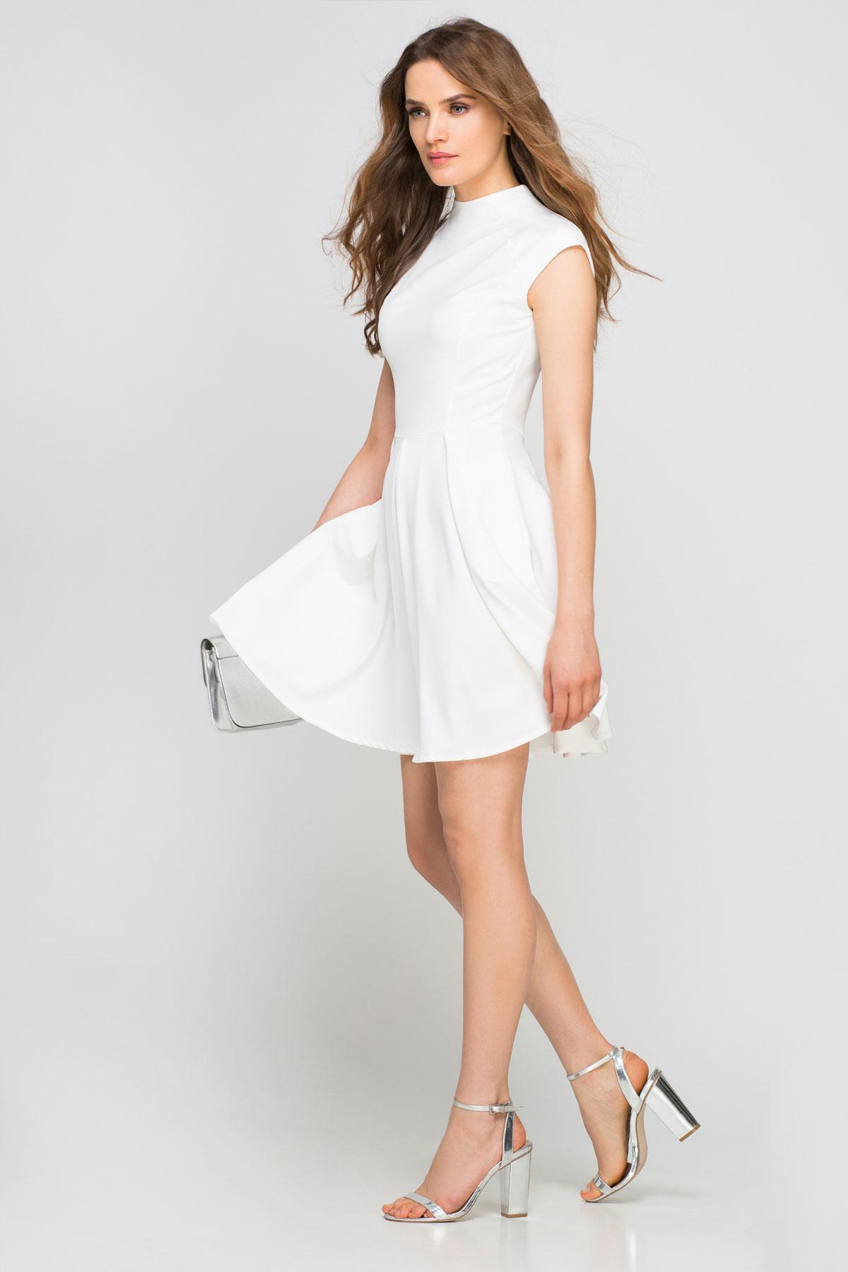 quelles chaussures porter avec une robe blanche les. Black Bedroom Furniture Sets. Home Design Ideas
