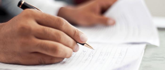تعبير بالانجليزي قصير جدا مترجم مكون من قطعه انجليزي سهله وقصيره تحتوي على برجراف بالانلجليزي قصير تعبير موضوع Informative Essay Essay Topics Writing Services