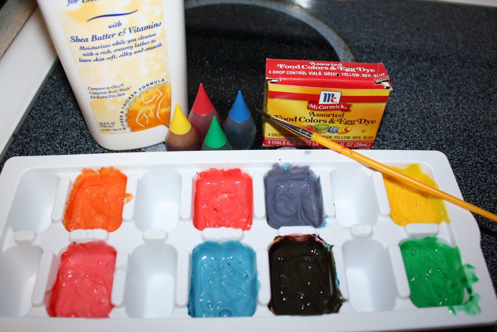 Use An Inexpensive Walmart Brand White Body Wash And Add Food Coloring To Make Desired Colors Keep Kids Entertained In The Bathtub Creating Masterpieces