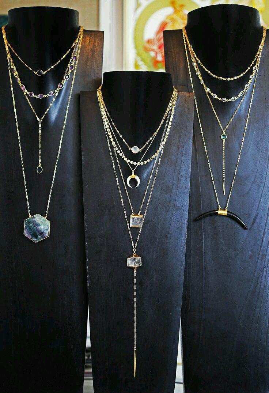 Bijoux fantaisie tendance 2018 Parce qu\u0027un bijou fantaisie s\u0027accord autant  avec un style, une humeur, une occasion, nous vous proposons au fil de l  \u0027année
