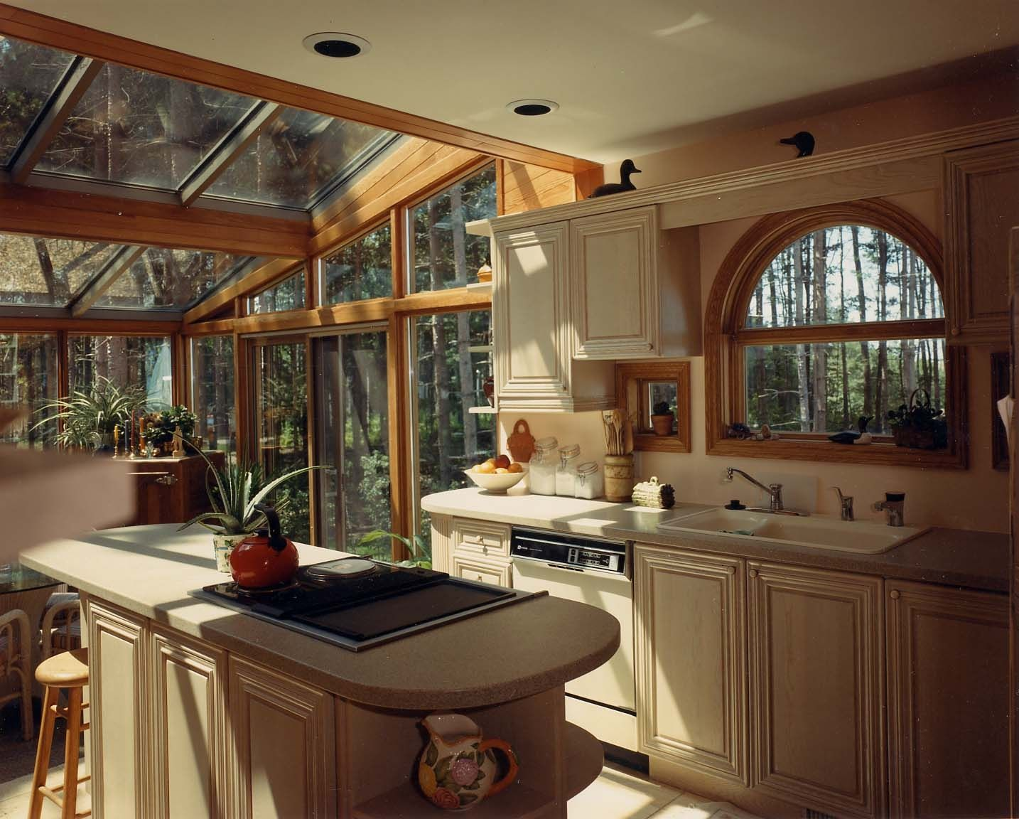 Lovely Contemporary Log Home Design With Glass Sunroom Ceiling Idea Also Arched  Window And Cool Small Kitchen Island Prepare Your Best Escapism In The  Countryside ... Part 20