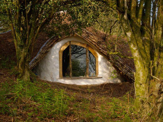 Hobbit House in Wales: Window