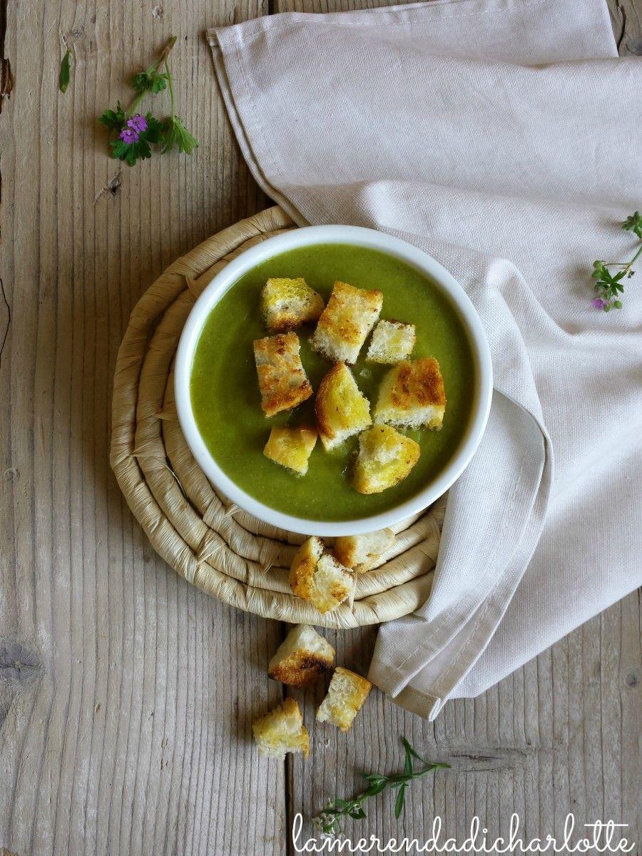 vellutata di zucchine e porri con crostini di pane