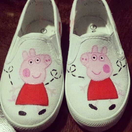 DIY shoes. Peppa Pig. Fabric Paint