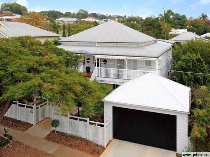 Fence Line Juts In At The Pedestrian Gate Queenslander House