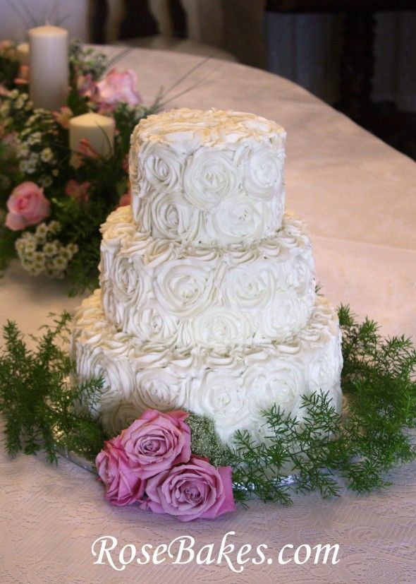 Ercream Roses Wedding Cake With Pink