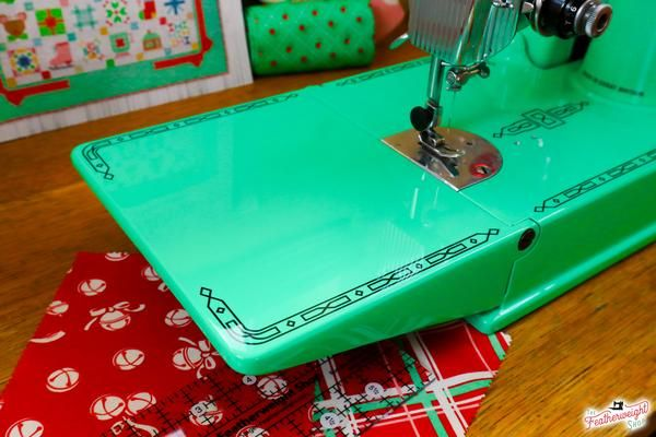 GIVEAWAY December 2020! Minty-Mint Candy Green, Custom Painted Singer – The Singer Featherweight Shop