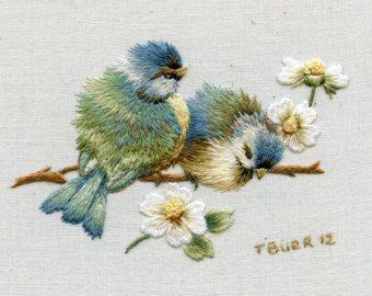 Kit Miniature Embroidery:  Bluebirds & Daisies.