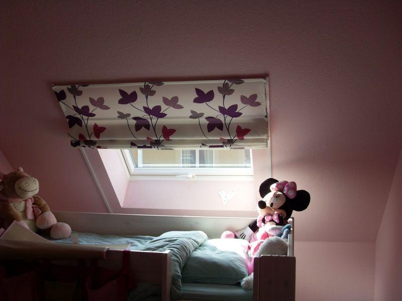 store pour fen tre de toit chambre enfant pinterest store pour fenetre fen tre de toit et. Black Bedroom Furniture Sets. Home Design Ideas