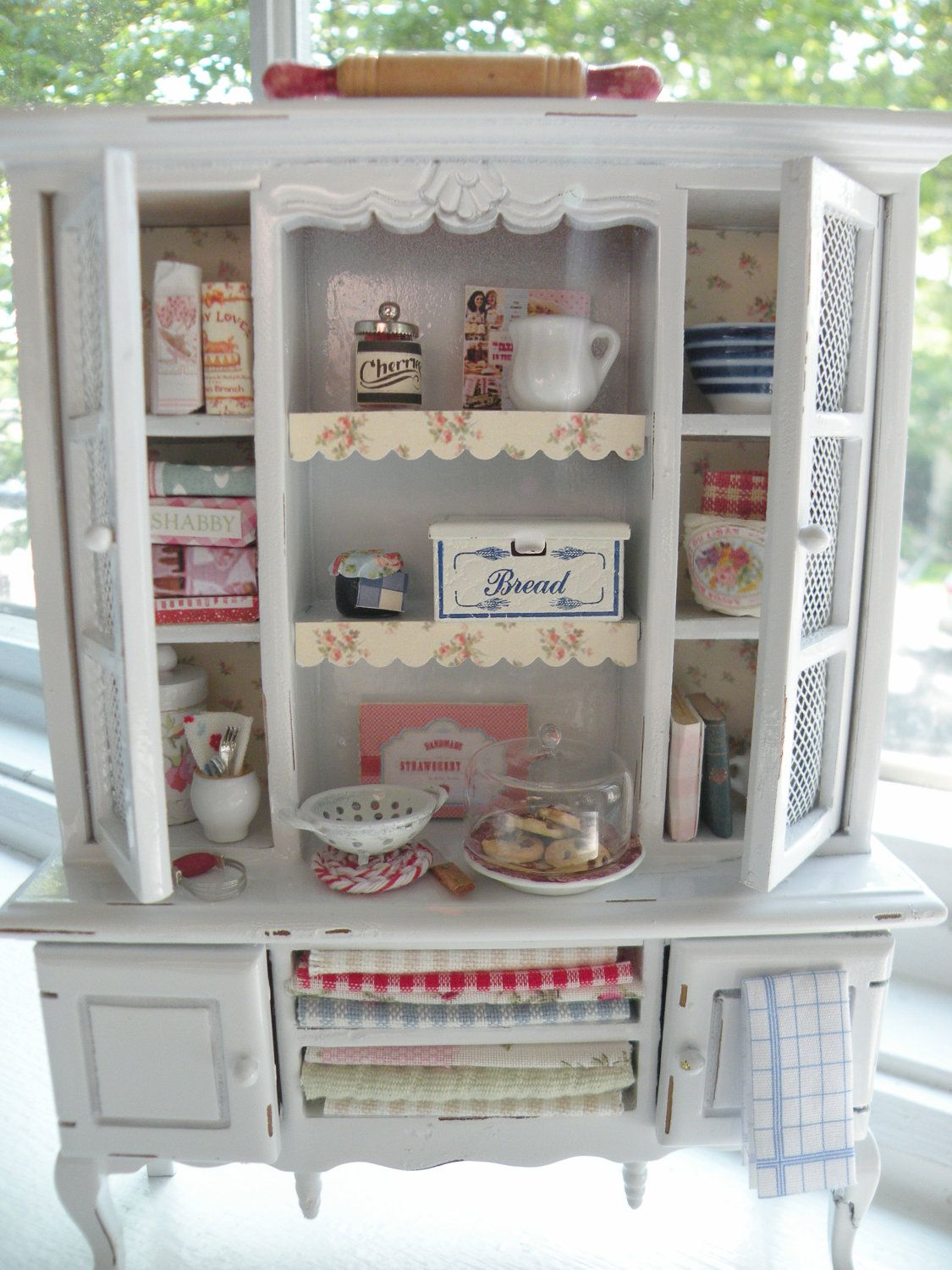 Miniature Charming Kitchen Hutch. I would love something like this ...