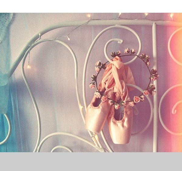 Pointe shoes and a flower crown (: