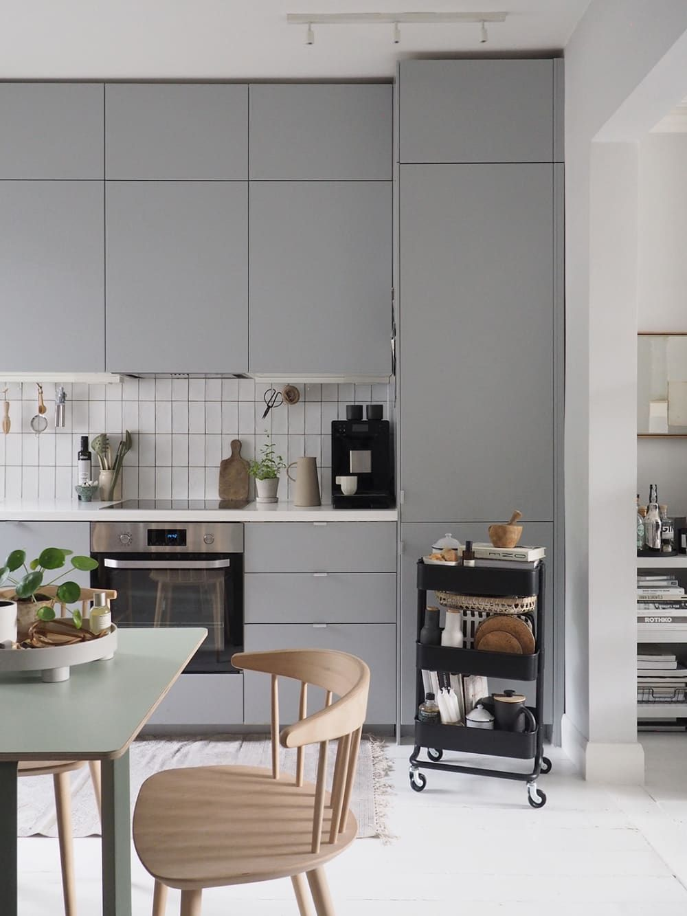 A Scandinavian Inspired London Home Is An Elegantly Simple And Inspiring Space Ikea Kitchen Design Kitchen Design Minimalist Kitchen Inspiration