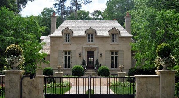 French Provincial Homes In 2020 French Country House French Country House Designs Country House Design